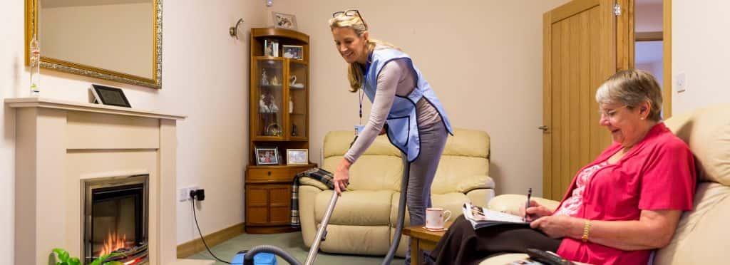 homemaking help for senior waman at home